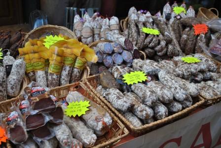 mirepoix local market medieval town (10)